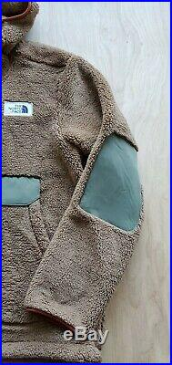 The North Face Men's Campshire Pullover Hoodie Cargo Khaki/ Four Leaf Clover, L